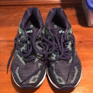 ASICS nimbus gel running shoes size 8 GUC